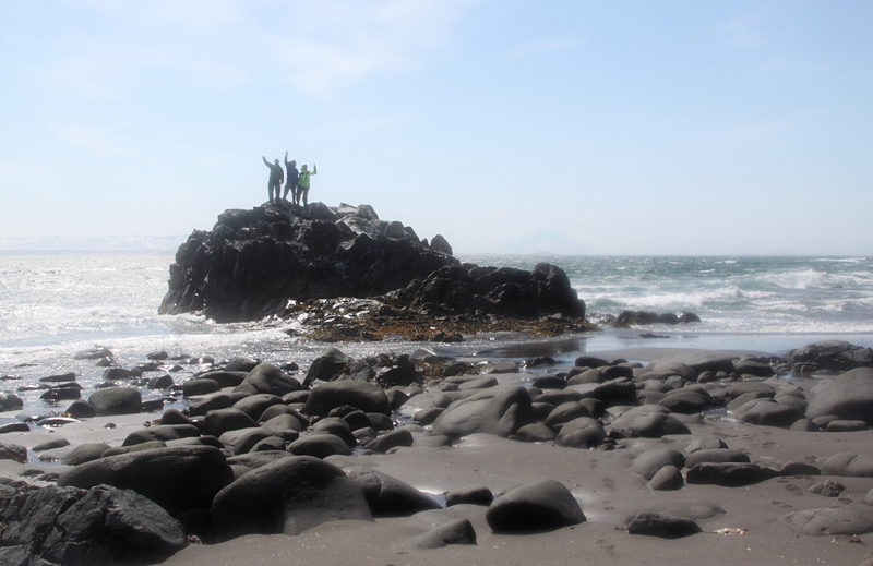 Высадившись на берег, потом шутили, что можно придумать аттракцион «Морской Каякинг»: Сажаешь человека в лодку, лодку к турнику и заставляешь подтягиваться, одновременно поливая из шланга холодной водой.