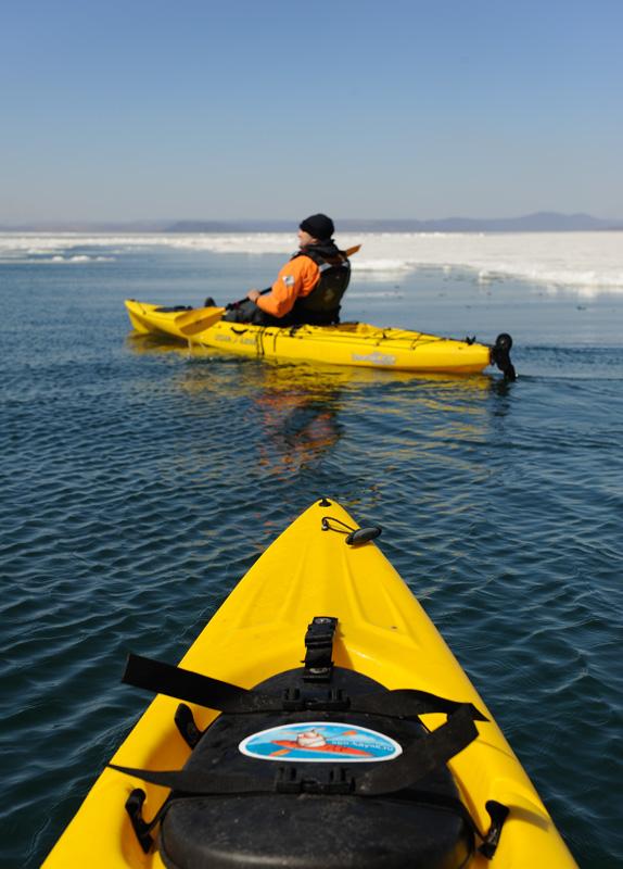 Это рыбацкий сит-он-топ Ocean Kayak Prowler Trident 15.
