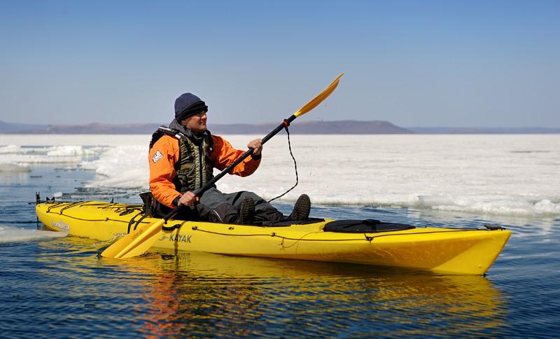С наступлением теплого сезона наш коллега Сергей впервые спустил на воду свой каяк.