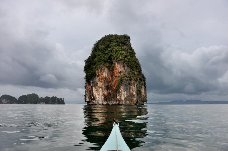 Не только мангровые болота, но и некоторые вполне морские острова не очень приспособлены для пеших прогулок.