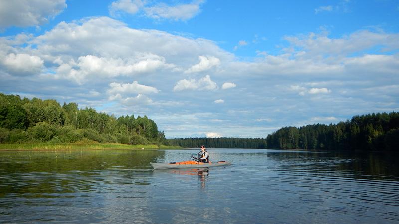 Кубань довольно широкая река, но неглубокая.
