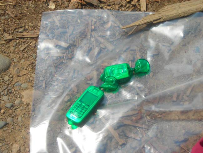 Спички, сотовый, были упакованы в презервативы,закупленые в китайской деревушке И Ван овке.