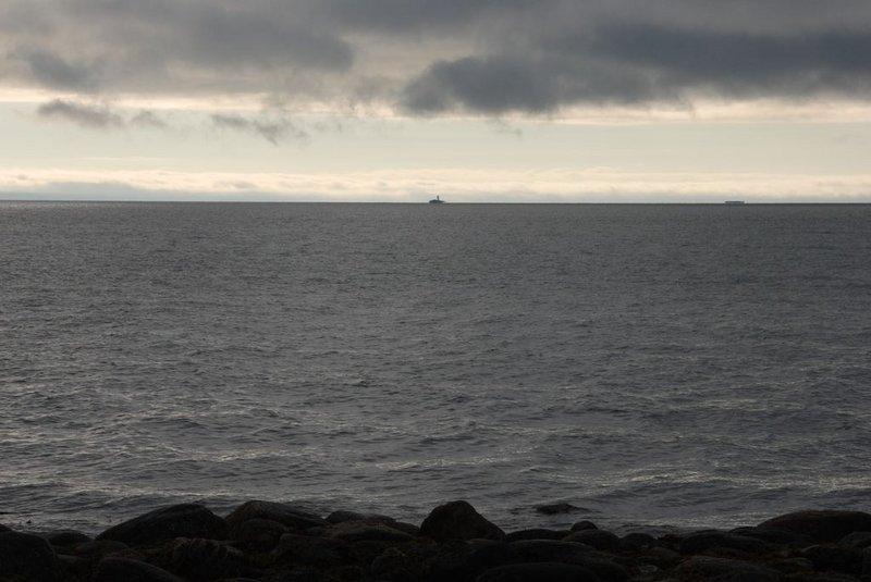 Вид на Карельский берег, откуда я приплыл: