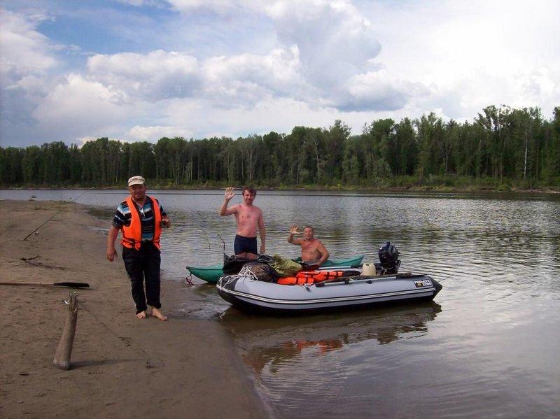 Наш лагерь посетили братья туристы, Шли с Тальменки, это семьдесят километров выше и шли вот таким