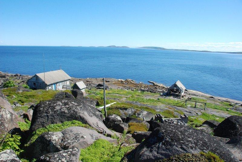 А вот, что мы нашли на вершине острова.