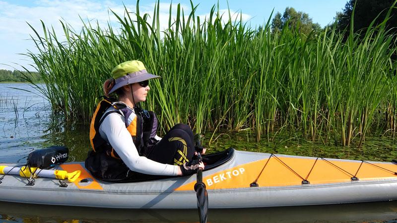 …поэтому приходится время от времени как-то отдыхать прямо на воде.Кадр из продолжения фильма «Водный мир»...
