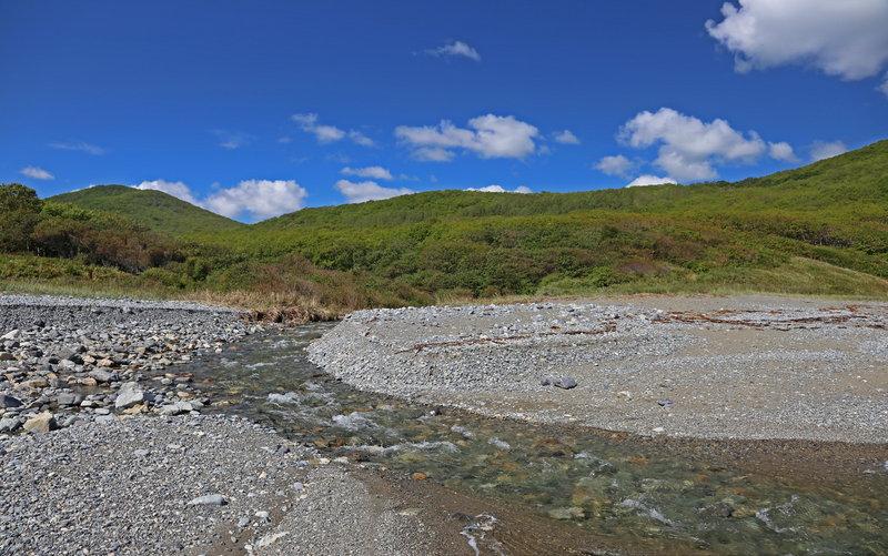 Мало того, что многочисленные речушки обеспечивали нам бесперебойную подачу пресной воды – они еще и красивы!!!