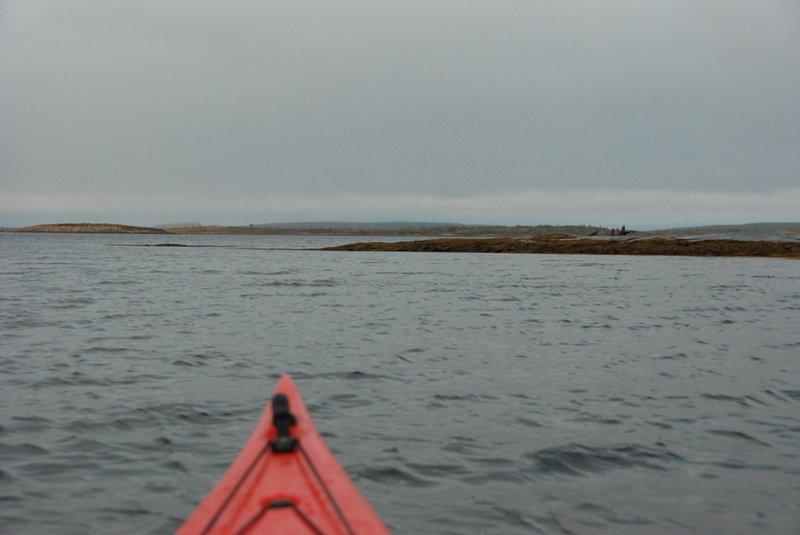 Но до Коловаров, как планировалось, мы дойти не смогли. Уж очень сильный ветер был. В итоге встали на острове Большой Каменный.