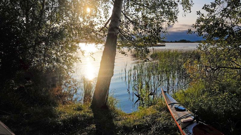 Солнце клонится к горизонту – настала пора вечерних покатушек вокруг стоянки с фотоаппаратом.