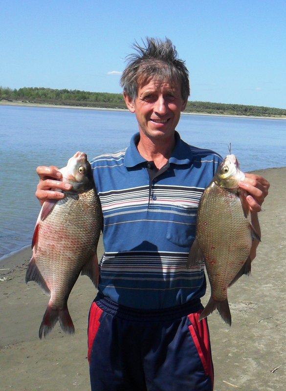кто хоть раз смотрел передачи про рыбалку, тот знает, что надо делать с рыбой. Поймал отпусти, поймал отпусти, но мы сделали пару исключений.
