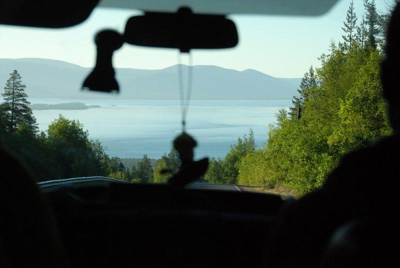 8:22. Проезжаем Кузреку. Рельефвыровнялся, берега стали низменными, острова исчезли.