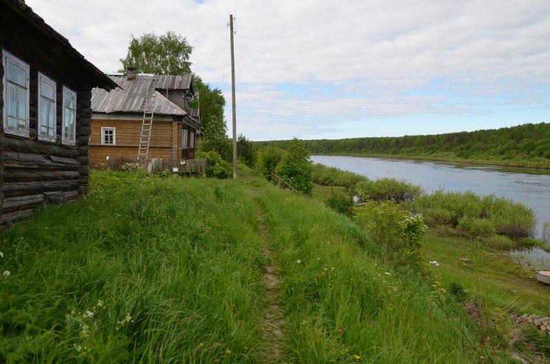 Ночую в деревне Уваровица. Пройдено 74 км.