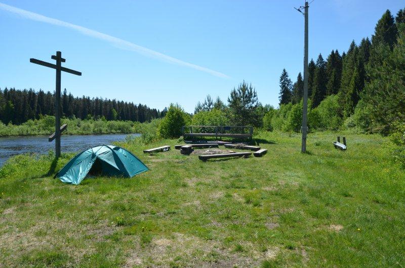 Ребята утром отчаливают, а я остаюсь. У меня дневка. Оборудованная стоянка - территория детского лагеря, Школы путешественников Федора Конюхова.