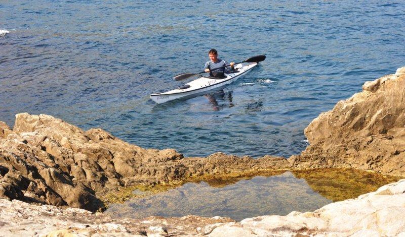 Чаша Посейдона (на морской скале недалеко от Партенита)