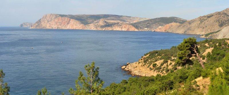 Поход по Севастопольской тропе (тропа из Балаклавы в Ласпийскую бухту) Бухта Инжир, вид на вход в Балаклавскую бухту и мыс Кая-Баши