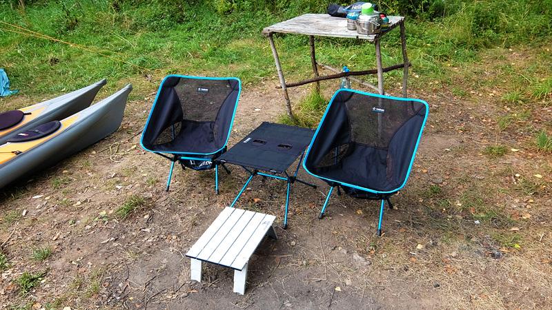 Три стола – это очень удобно, доложу я вам. ))