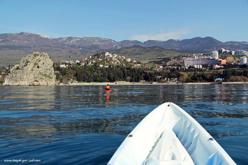 Вид на Гурзуфскую долину и Генуэзскую скалу