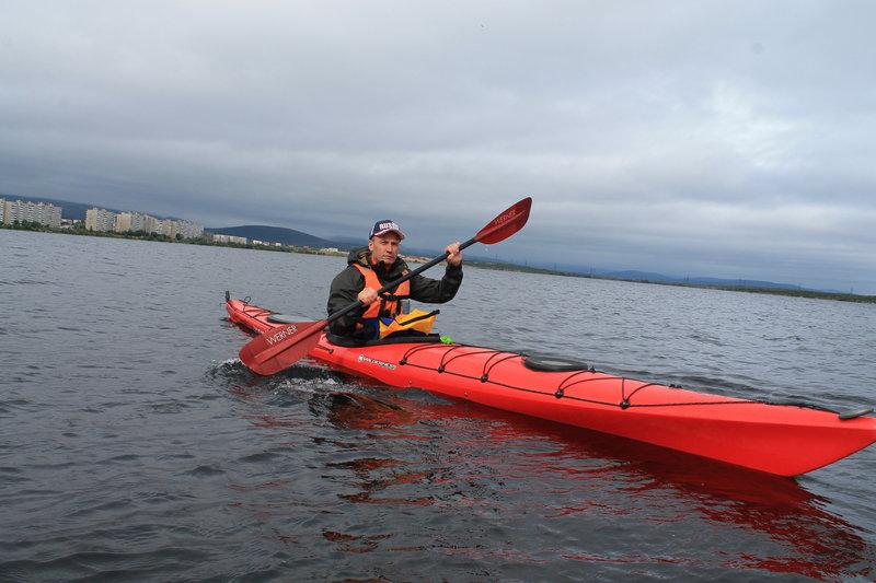"""Я же из всеобщего изобилия каяков, выбрал себе в верные спутникиWilderness Tsunami-160, такого плана лодки мне очень удобны. А опробовал я в Турклубе"""" Сариола"""" множество разных лодок."""
