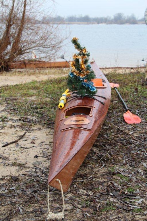 С наступающим Новым Годом! От киевских каякеров!