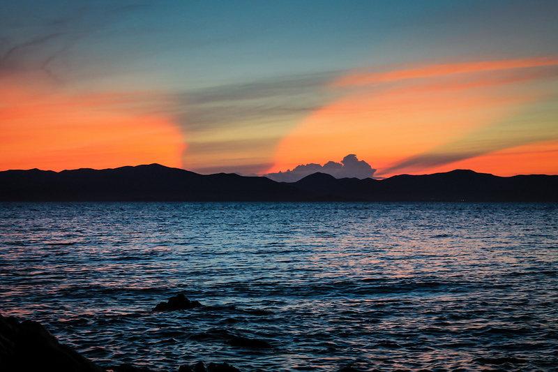 Утром традиционный туман. Имея и GPS и компас как заправский мореход прокладываю путь среди островов. Стало прояснятся только на Козлова.