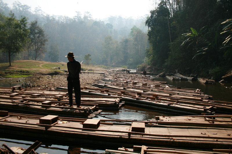 Бамбуковые плоты. Север Таиланда