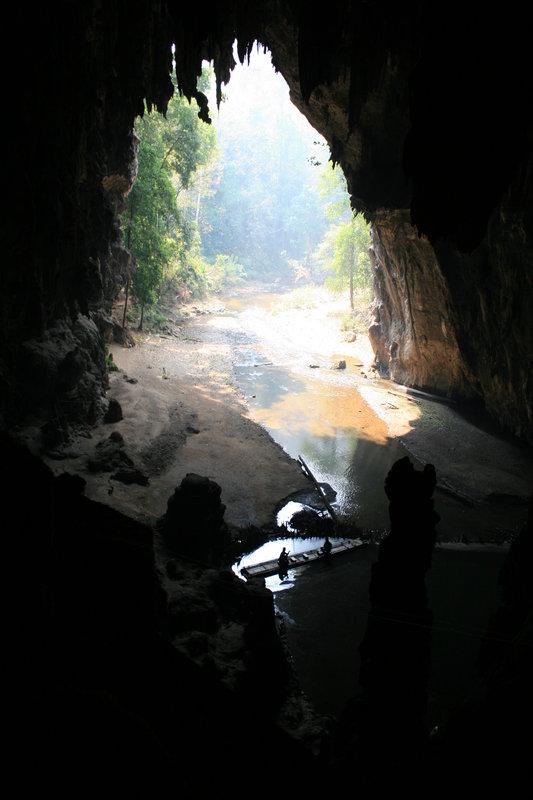 По подземной реке
