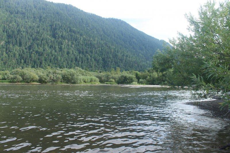 Место впадения реки Колдор. За день прошли около 13 км.