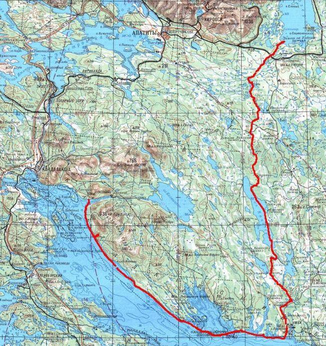 1. НЕКОТОРЫЕ МЫСЛИ ВСЛУХ  1.1. Идея маршрута  Желание пройти классическую речку Умба, что в Мурманской области, возникло ещё в 2009-м, т.е. двумя годами раньше, чем это было фактически осуществлено. Как приятный бонус хотелось добавить к ней морской переход до Кандалакши. Тогда, в 2009-м я причислял себя к бурноводникам, и речная часть этого маршрута являлась для меня основной, а морской переход предполагался просто как необязательное дополнение на случай, если останется время. Однако спустя два года мои пристрастия радикально изменились, и к моменту проведения этого похода меня интересовала исключительно морская часть. Ну а речная часть воспринималась уже просто рутинной необходимостью. Соответственно в данном повествовании упор сделан именно на море.   1.2. Заповедник  Основная неприятность Кандалакшского залива это анклавы Кандалакшского заповедника. Заповедными являются все острова в заливе, а также вся акватория Порьей губы, включая цепочку островов, расположенных у входа в губу. Позвонил в заповедник. Оказалось, что пропуска туристам не выдаются никогда. А что касается Порьей губы, то запрещено не только причаливать к островам в Порьей губе, но и даже заходить в акваторию! Пропуска выдают только на острова близ Кандалакши для сбора ягод, и то только в августе.   Поэтому мы решили все заповедные места залива просто обойти, в том числе и Порью губу. Если посмотреть на карты залива разных годов изданий, то видно, что границы заповедника постоянно пересматриваются в сторону увеличения, поэтому руководствоваться надо границами, опубликованными на сайте заповедника.   1.3. Заброска и выброска  Решили поехать на поезде. Туда надо было ехать до станции Апатиты, а от станции около 50 км на местной машине на мост через Умбу (такова стандартная заброска на эту речку). Заказали машину в фирме Колвица-Тур. Обратно надо было уезжать со станции Кандалакша. До района Кандалакши предполагали дойти своим ходом по морю. Для поездки непосредственно с побережья до вокзала тоже пре
