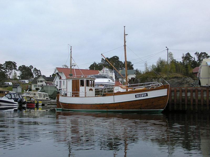 Классическая норвежская рыбацкая посудина