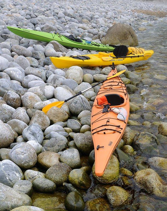 Я долго считал себя единственным морским каякером в Приморье, ни разу не встретив себе подобных на водных просторах. Тем приятнее было объединиться с единомышленниками для первого совместного заплыва счастливых обладателей пластиковых дредноутов.