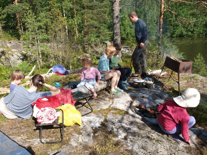 Денрожденный пикник на острове.