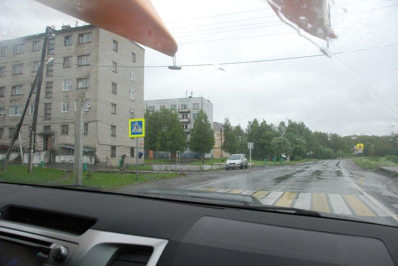 19:14. Мы у разрушенного причала, с которого в коды СЛОНа грузили заключённых на баржи для отправки на Соловки.