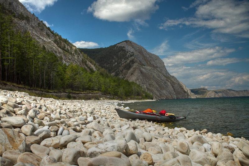 Часто в обед, не дойдя до запланированных стоянок пару километров, останавливался на рыбалку или на прогулку по окрестностям.