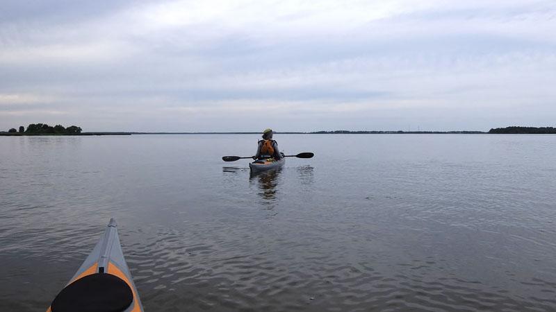 Волга позади уже не видна. Здравствуй, Костромское водохранилище!