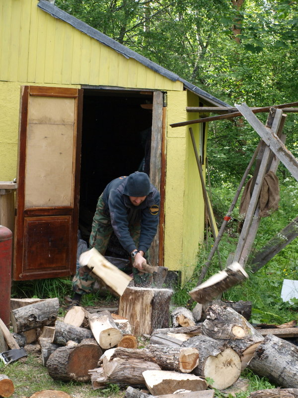 Опосля мостков занялись дровами.