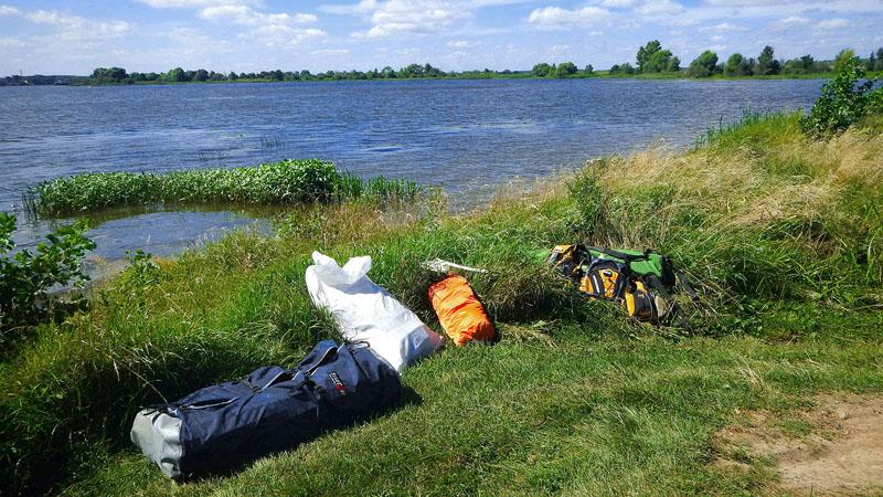Заброска к месту, где соединяются Волга и Костромское водохранилище.