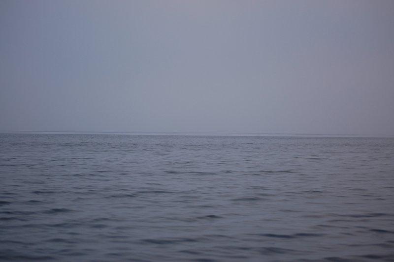 В обратный путь, на Кузова. Вышел под вечер в конце отлива. Плотный туман, видимость 400 ми штиль. 22 км шёл только по GPS...