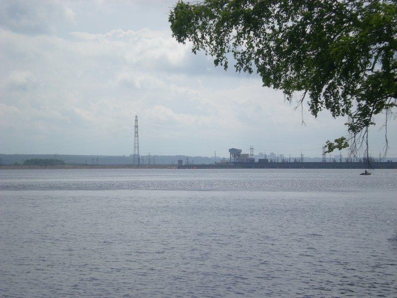 Верхний бьеф Камской ГЭС.