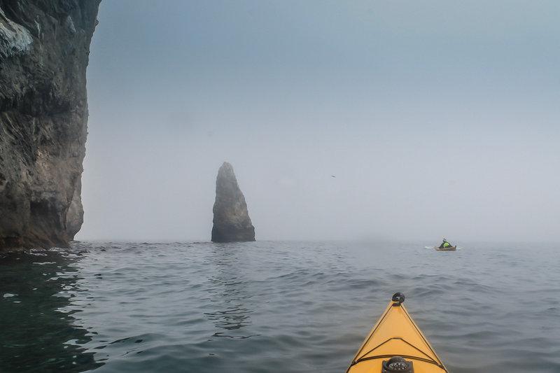 Выяснить статус острова Стенина нам не удалось. На картах он отмечен как заповедный, но отдыхающие там водномоторники сказали что ни разу не видели охранные лодки, и не слышали о случаях чтоб там гоняли.